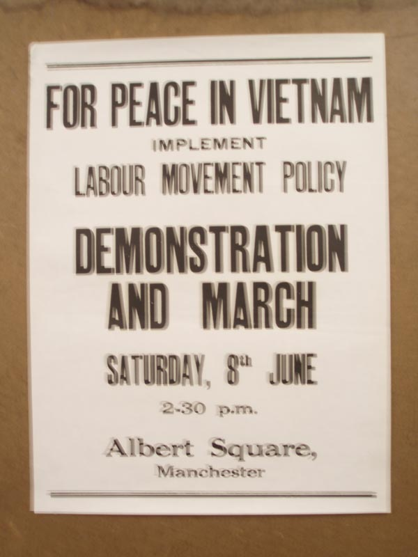 069506 Poster  FOR PEACE IN VIETNAM - £20